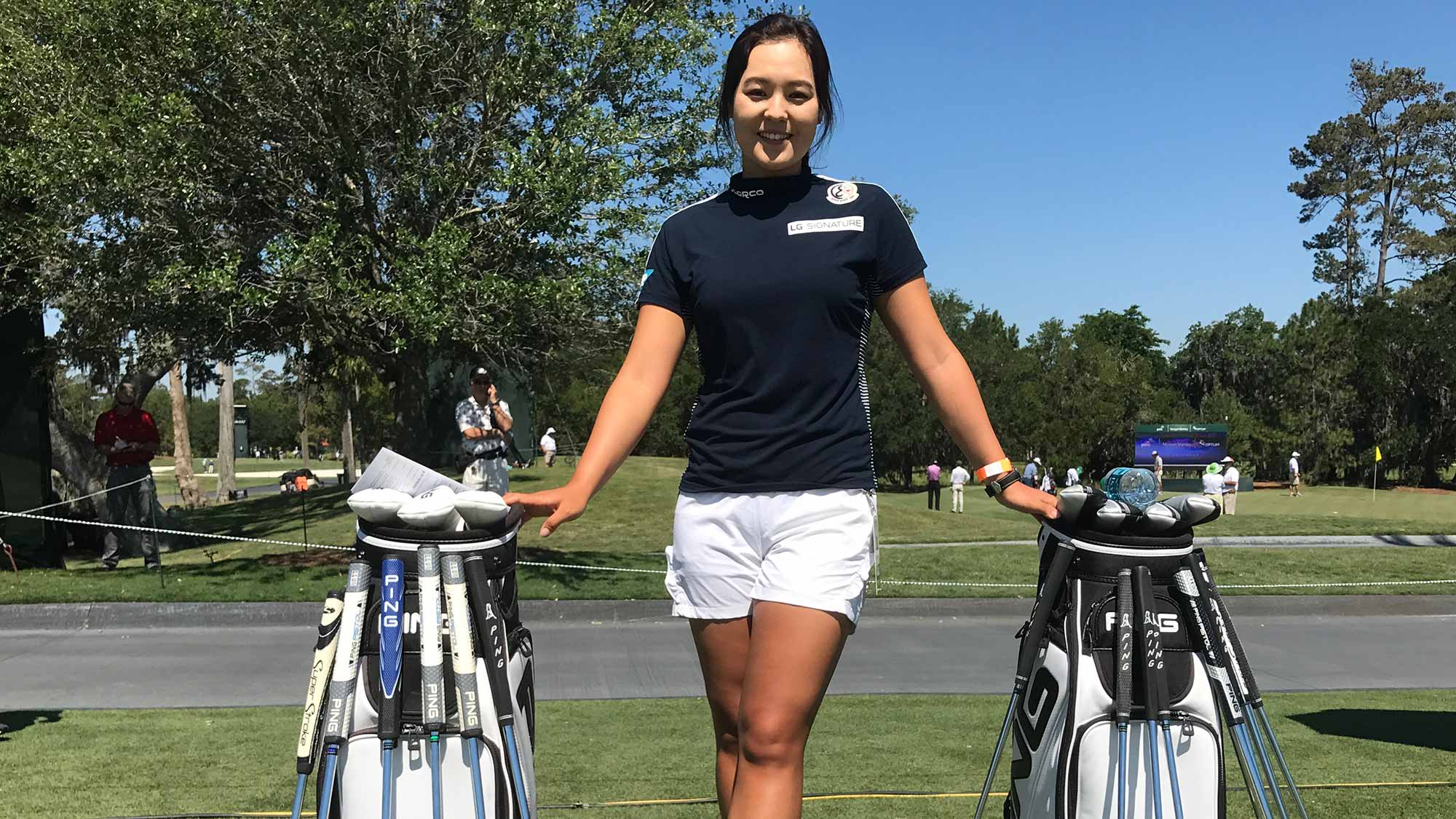 chun spends day at the players  caddies for noh