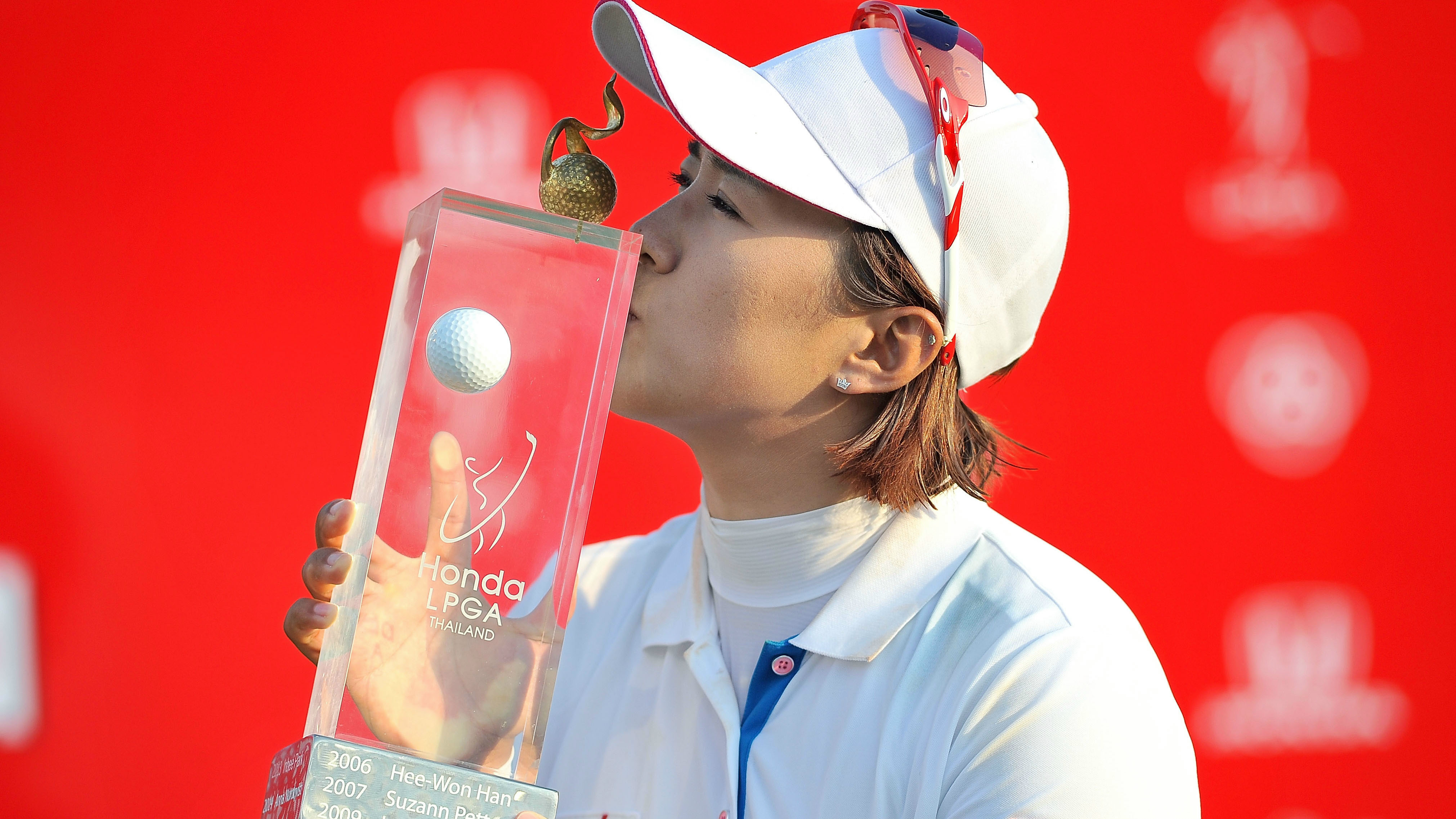 Amy Yang of South Korea celebrates winning the 2015 LPGA Thailand at Siam Country Club