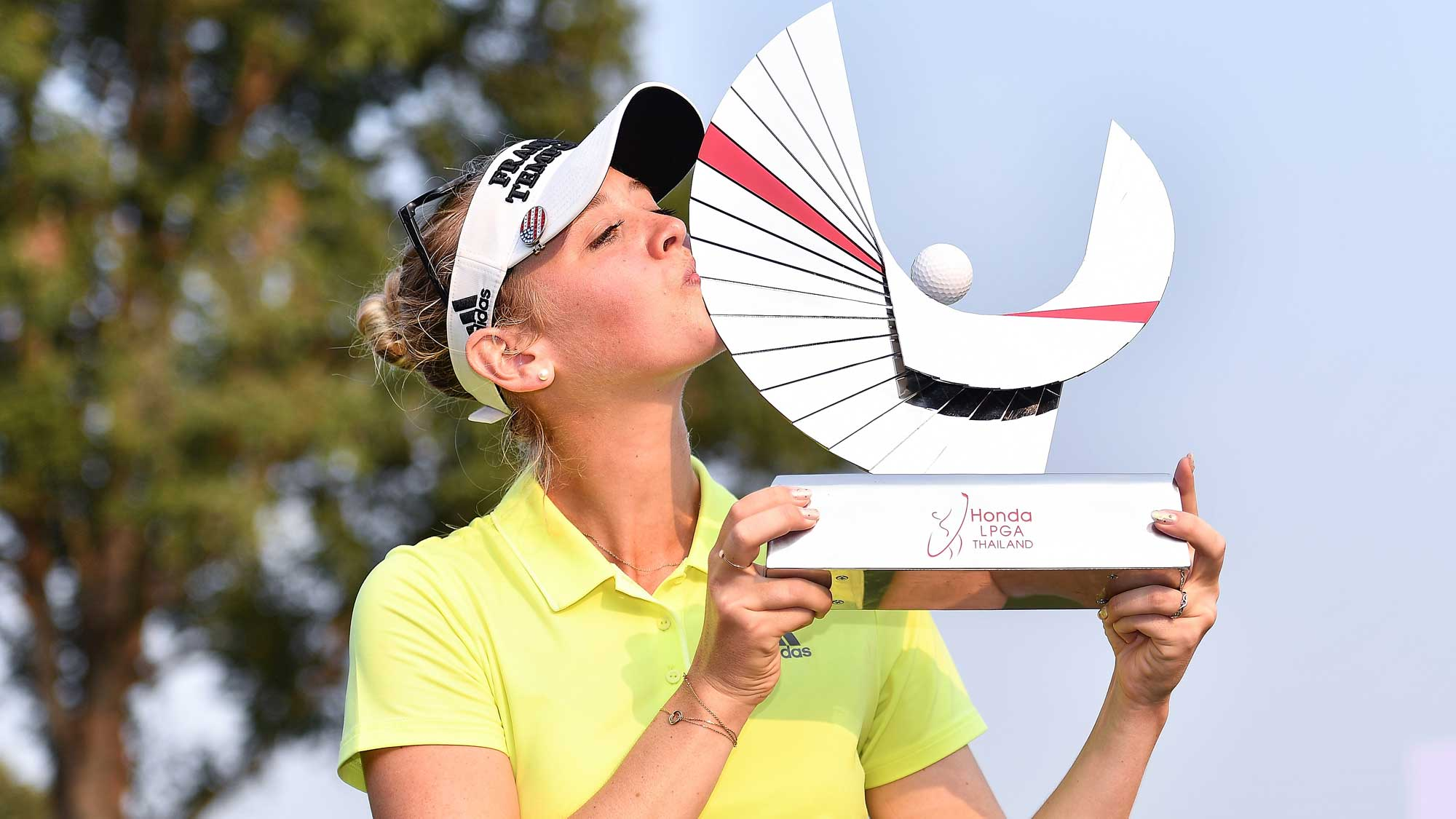 Korda Kisses Trophy at Honda LPGA Thailand