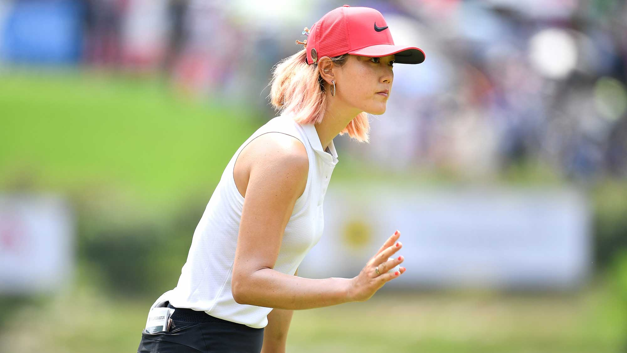 Wie Waves to Crowd at Honda LPGA Thailand