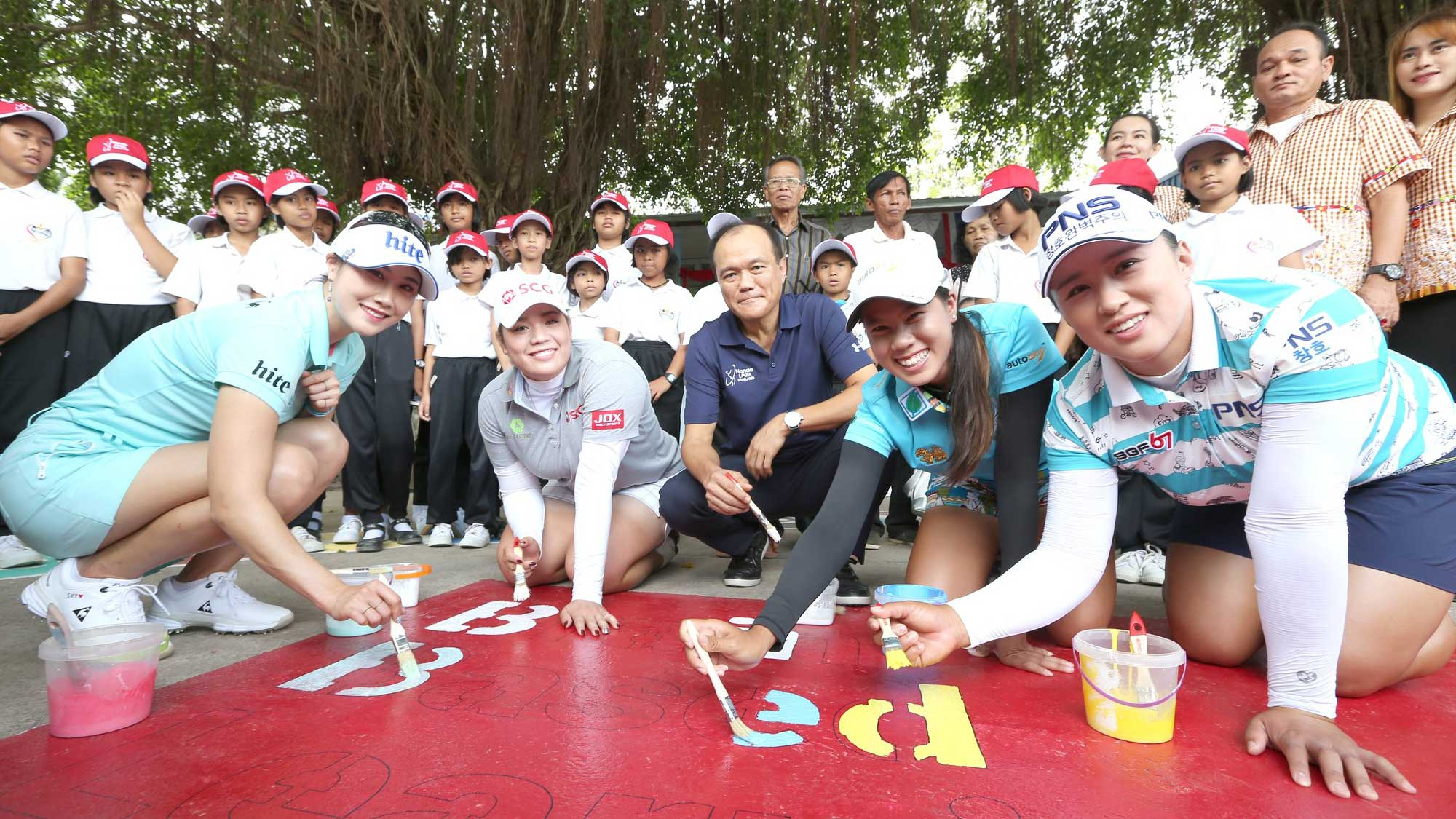 Ariya Jutanugarn Spends Time with Kids in Thailand