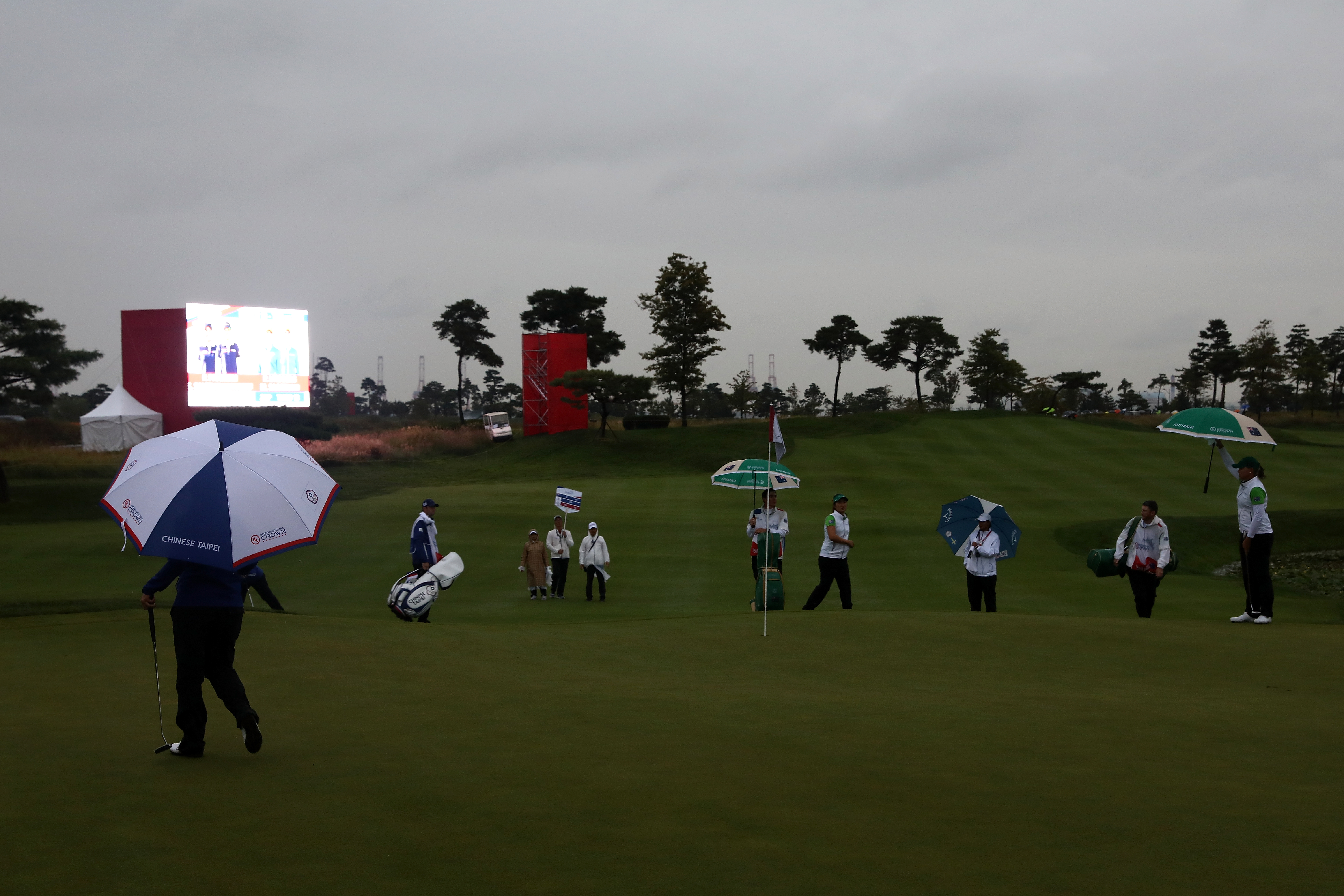 South Korea lead at International Crown