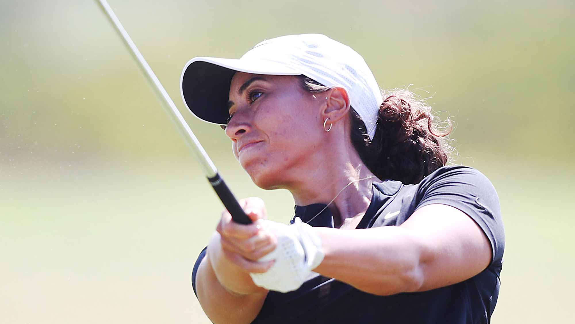 Kim Kaufman leads LPGA's Vic Open by 2 strokes