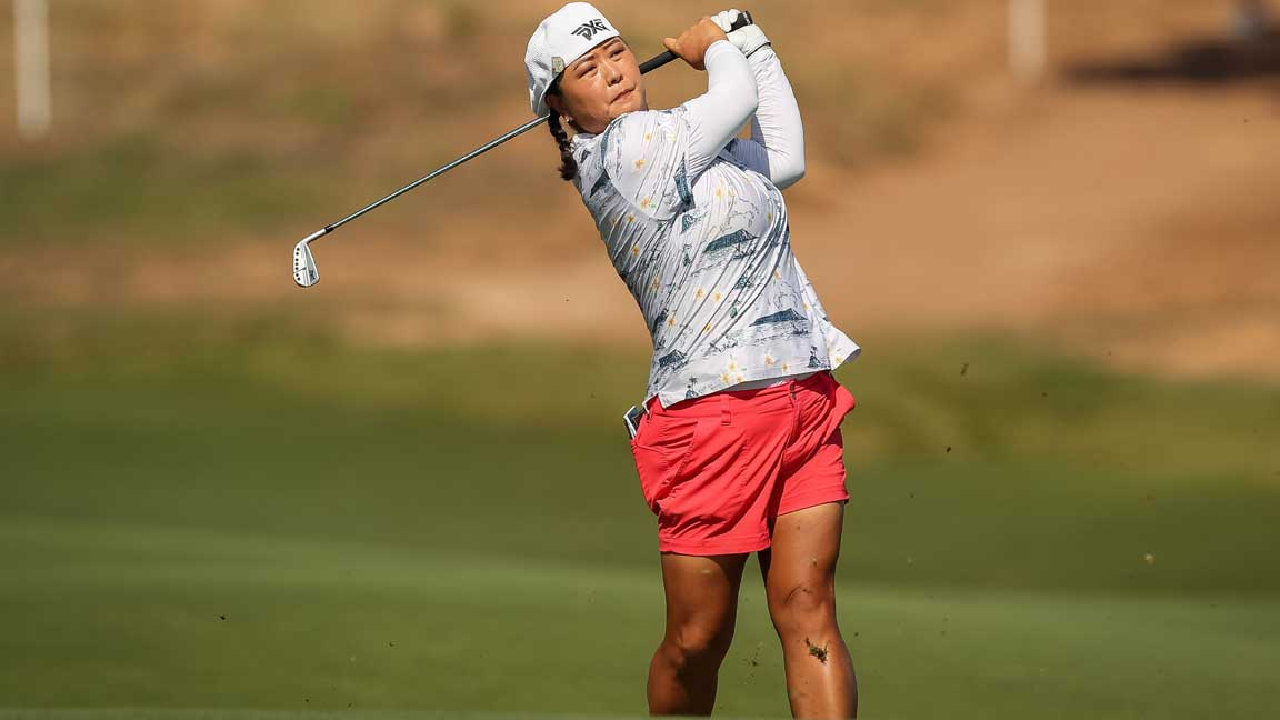 Christina Kim Watches Ball Flight on Way to -3 (70)