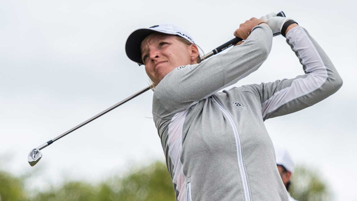 Perrine Delacour tees off at the 2020 ISPS Handa Women's Australian Open