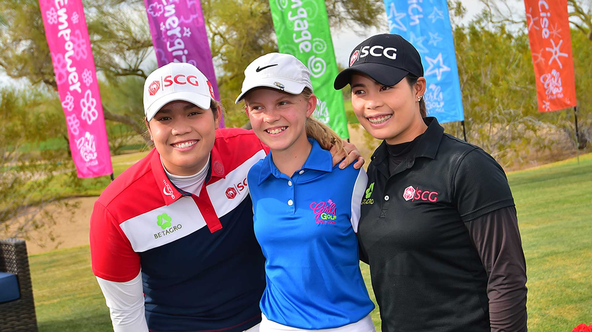 Ariya and Moriya Jutanugarn at Founders Cup Junior Clinic
