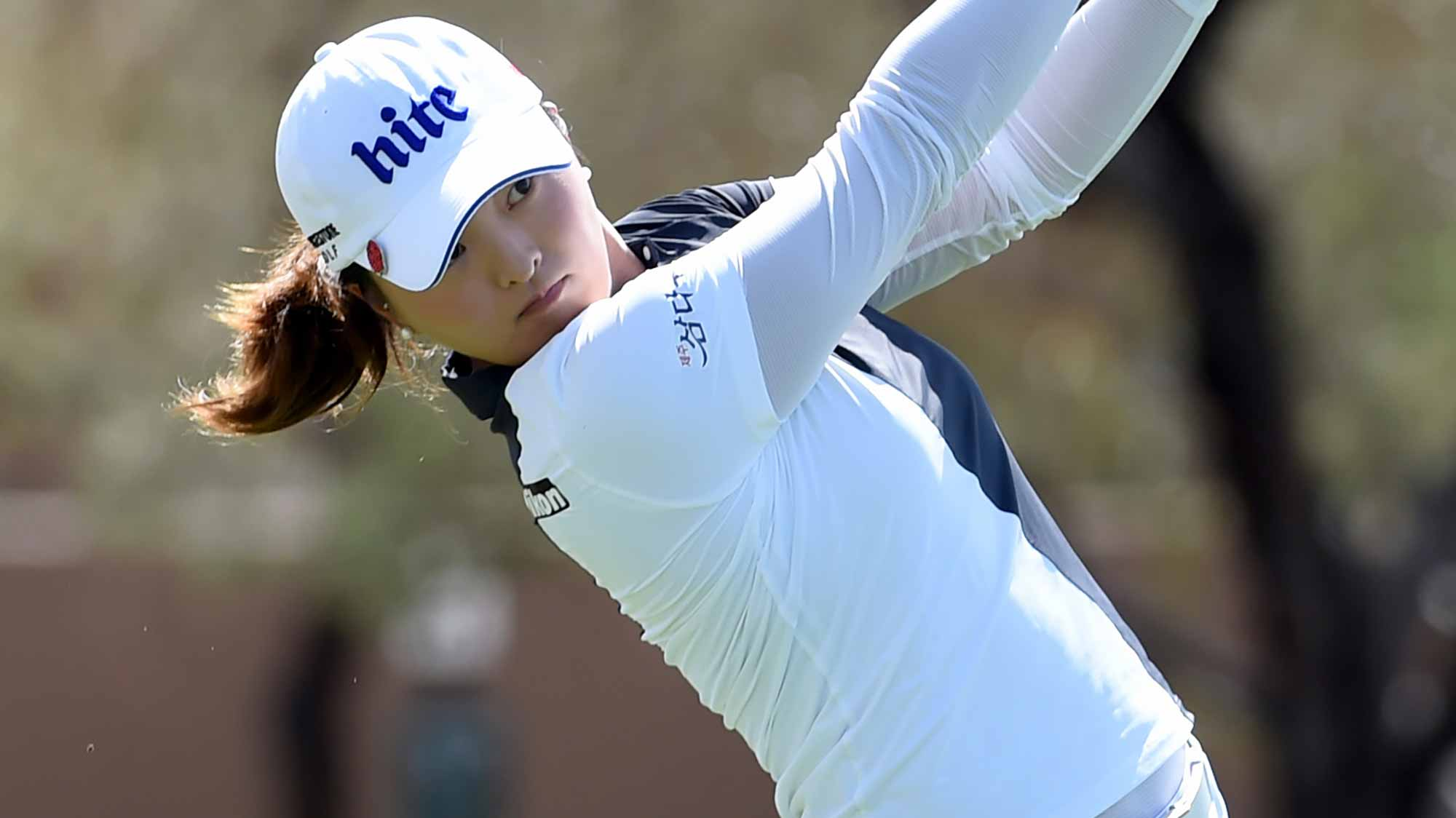 Jin Young-ko rallies to win LPGA Tour's Founders Cup