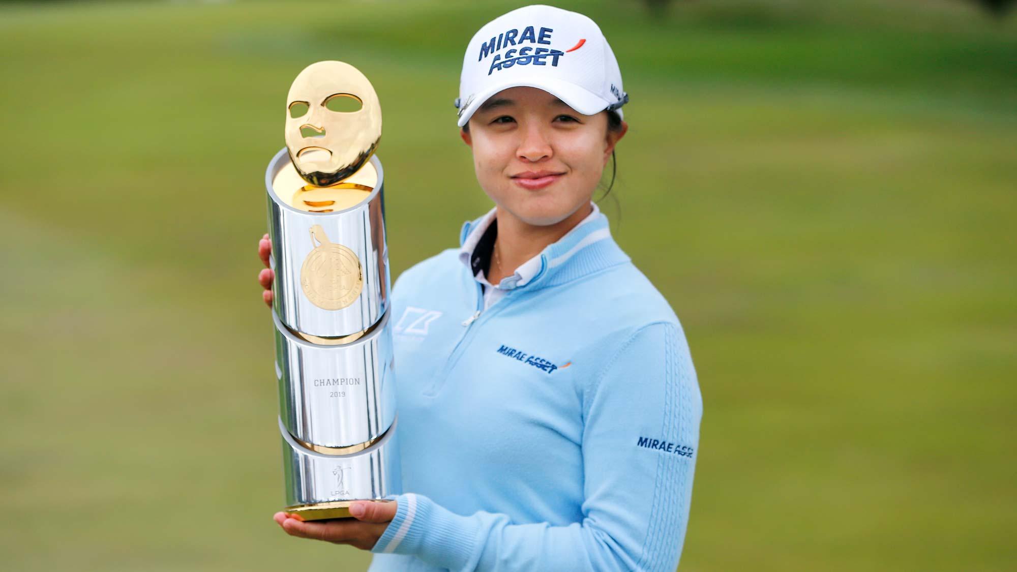 2019 defending champion Sei Young Kim