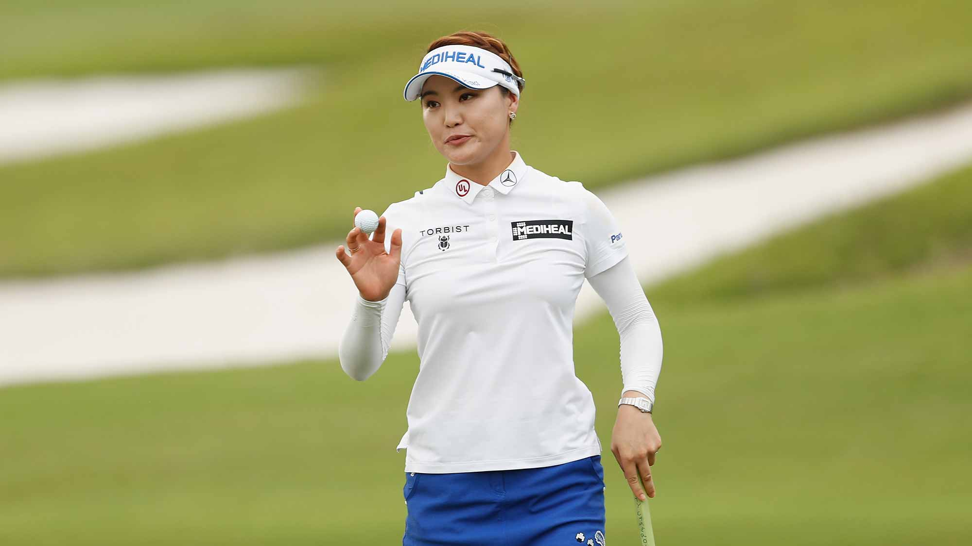So Yeon Ryu of Korea acknowledges spectators at the fifteen hole during the first round of the Swinging Skirts LPGA Taiwan Championship at Ta Shee Golf & Country Club on October 25, 2018 in Taoyuan, Chinese Taipei