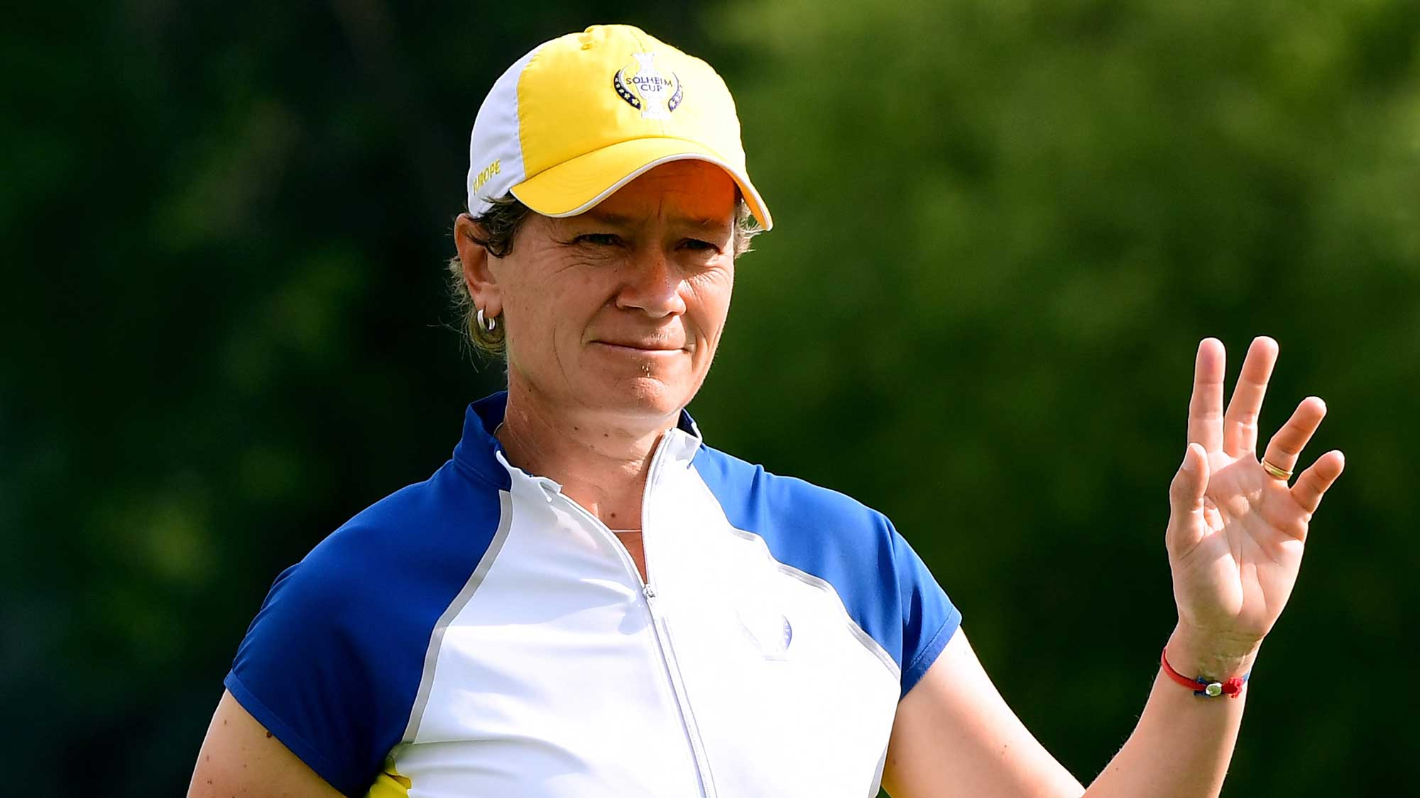 U.S. dominate Europe on Solheim Cup day one