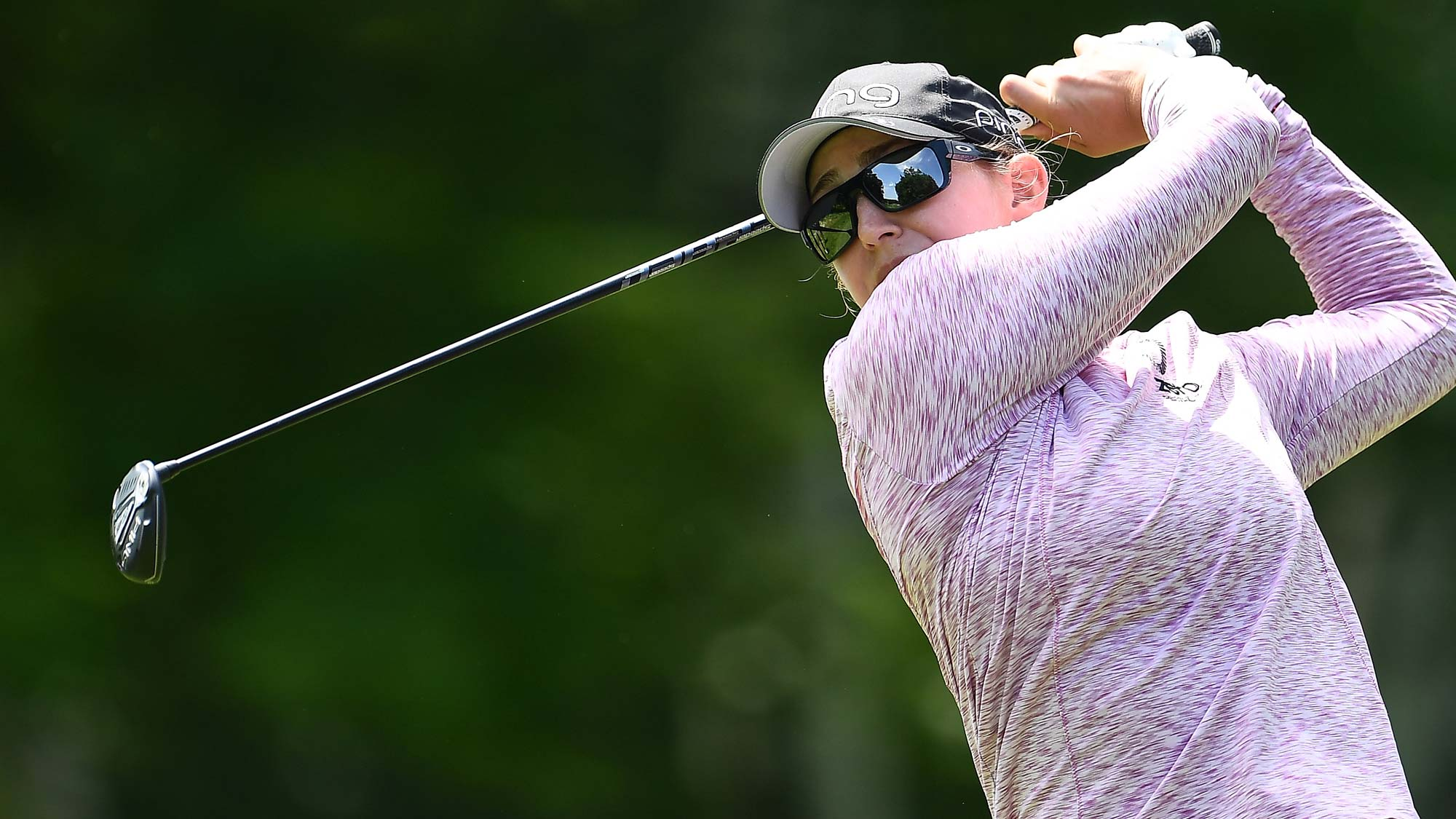 Elizabeth Szokol hits her tee shot on the 18th hole during the first round of the Thornberry Creek LPGA Classic