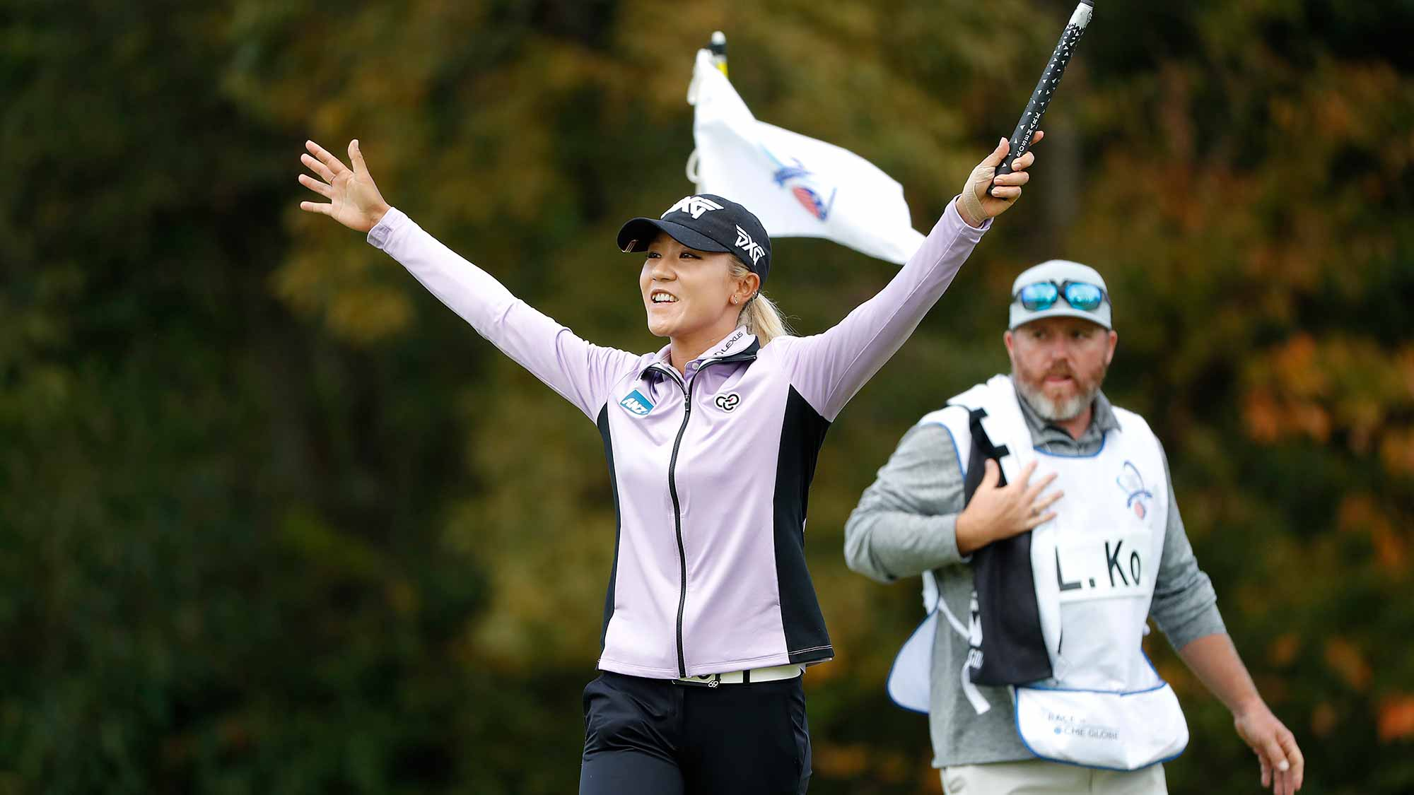 Lydia Ko of New Zealand celebrates on the 18th green after the first round of the TOTO Japan Classic at Seta Golf Course on November 02, 2018 in Otsu, Shiga, Japan