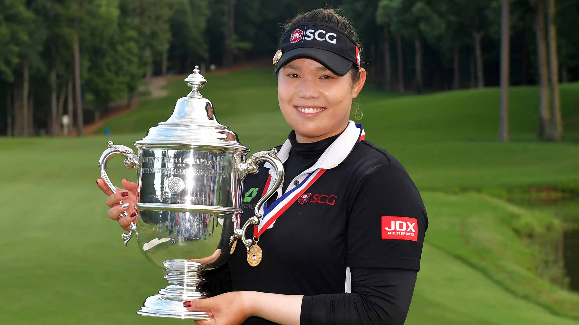 Ariya Jutanugarn with US Women's Open trophy
