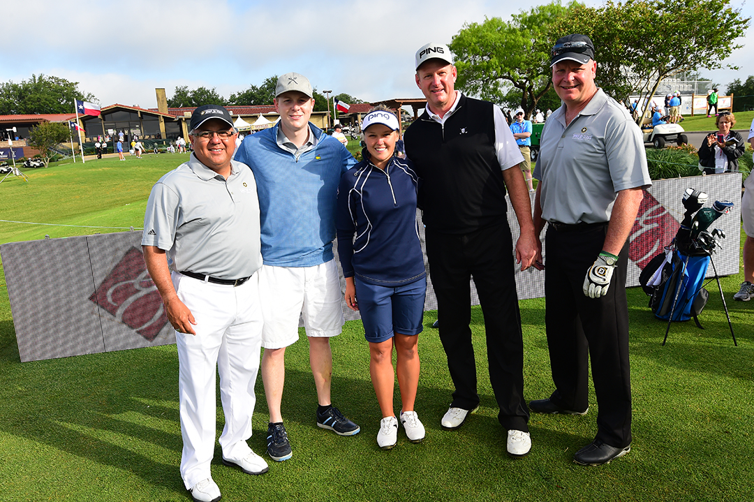 Brooke Henderson takes a photo with her VOA Texas Shootout ProAm team