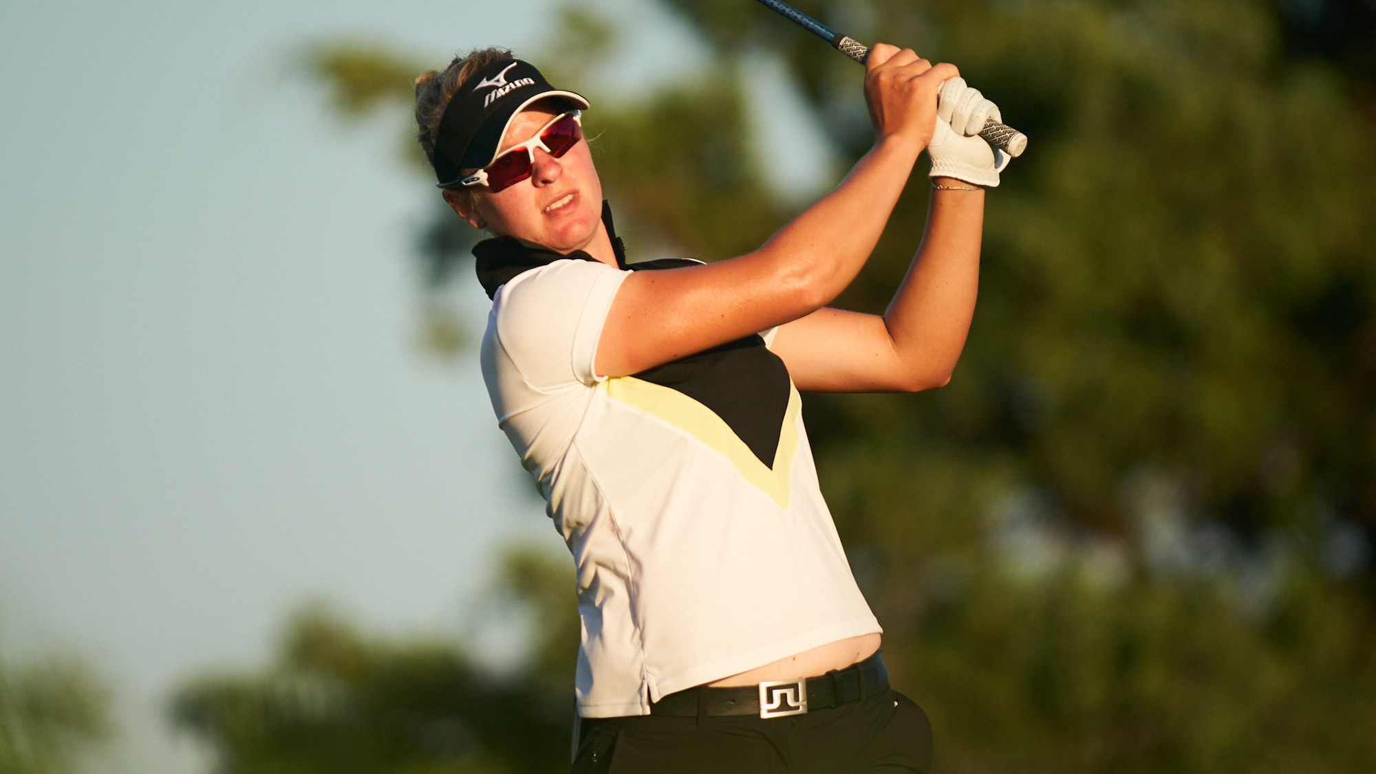 Nicole Broch Larsen Grabs Overnight Lead at 7-under in Texas