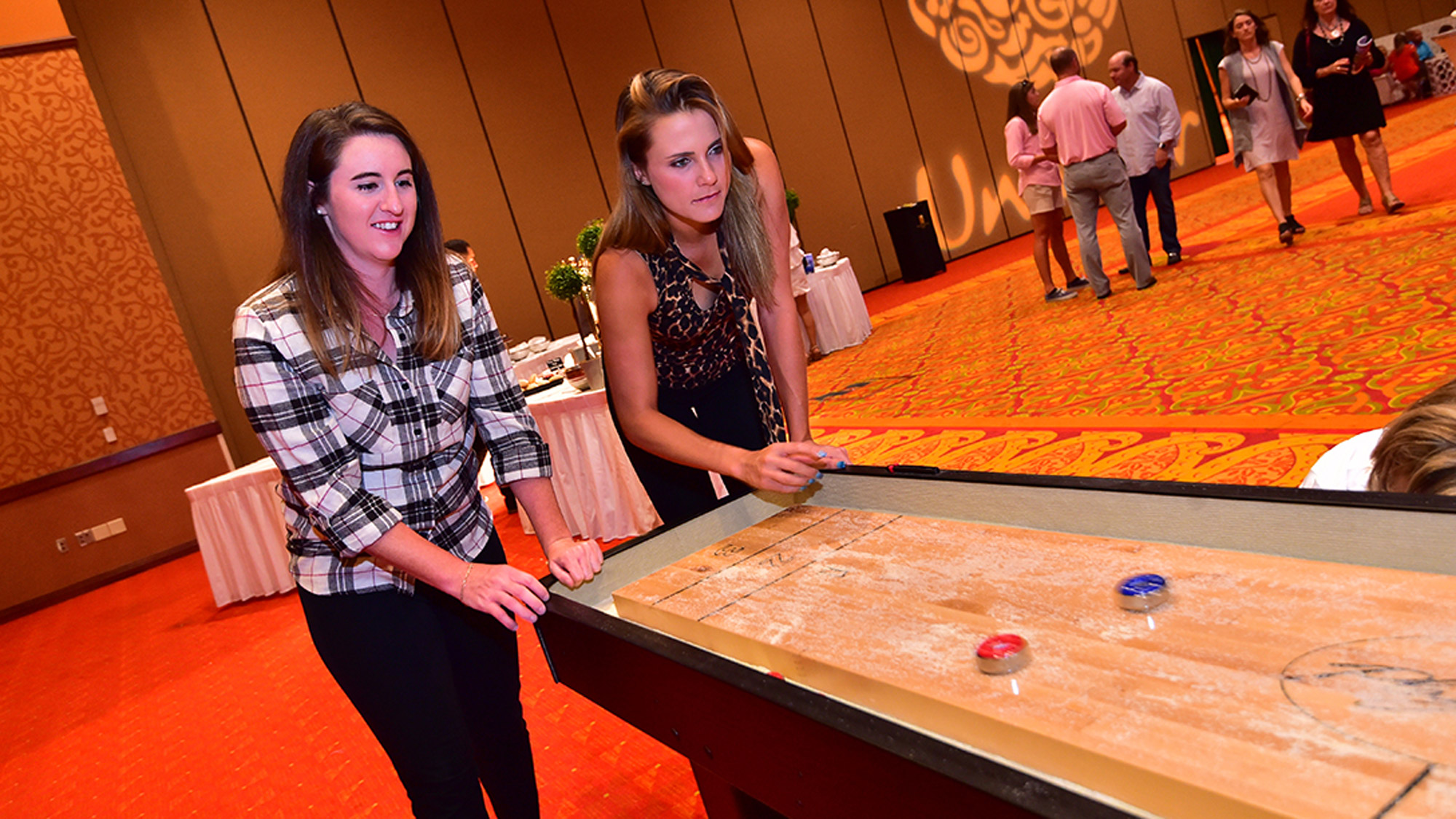Amelia Lewis and Lexi Thompson Play Shuffle Board
